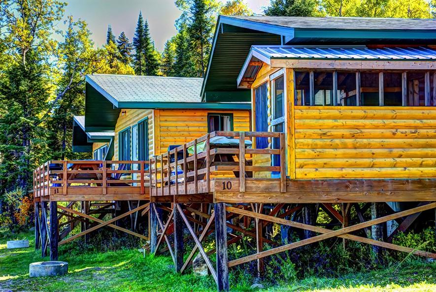 Whiteshell Lake Resort Deluxe Lakeside Cabin
